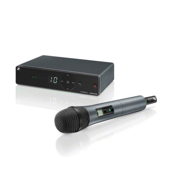 Mienten Sie alles für Ihren Event. Funkmikrohpon, moderne Soundsystems, Lautsprecher, Verstärker aller Art